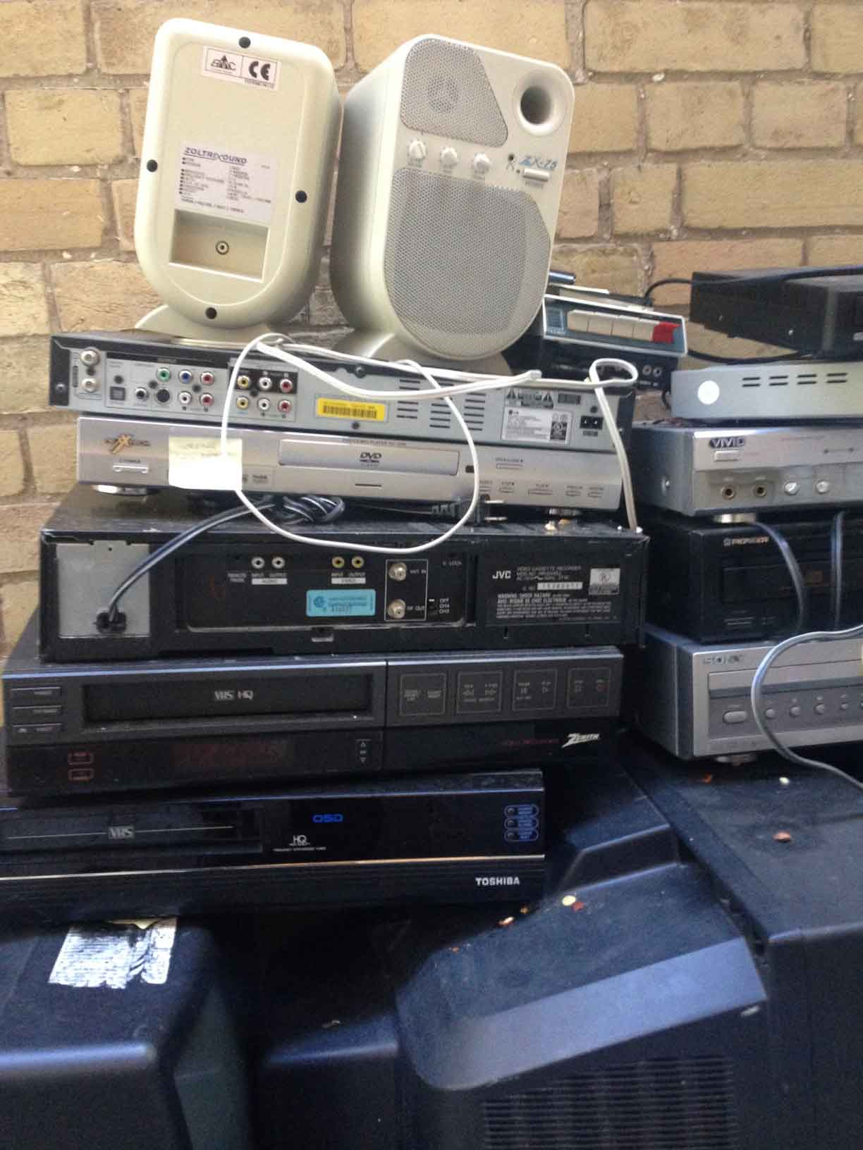 pile-of-old-tech